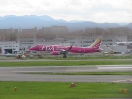 commet7575さんが、福岡空港で撮影したフジドリームエアラインズ ERJ-170-200 (ERJ-175STD)の航空フォト(飛行機 写真・画像)