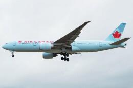 ちっとろむさんが、ロンドン・ヒースロー空港で撮影したエア・カナダ 777-233/LRの航空フォト(飛行機 写真・画像)