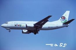 tassさんが、ロンドン・ガトウィック空港で撮影したビバ・エア 737-3K9の航空フォト(飛行機 写真・画像)