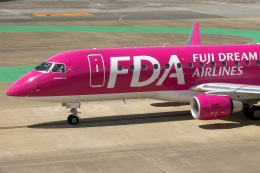 shao804さんが、福岡空港で撮影したフジドリームエアラインズ ERJ-170-200 (ERJ-175STD)の航空フォト(飛行機 写真・画像)