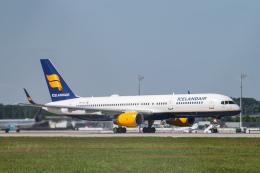 gomaさんが、ミュンヘン・フランツヨーゼフシュトラウス空港で撮影したアイスランド航空 757-256の航空フォト(飛行機 写真・画像)