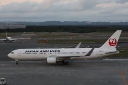 ゆうゆう@NGOさんが、新千歳空港で撮影した日本航空 767-346/ERの航空フォト(飛行機 写真・画像)