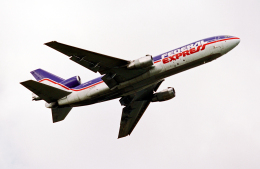 A-330さんが、横田基地で撮影したフェデックス・エクスプレス MD-10-30Fの航空フォト(飛行機 写真・画像)
