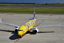 T.Sazenさんが、神戸空港で撮影したスカイマーク 737-8ALの航空フォト(飛行機 写真・画像)