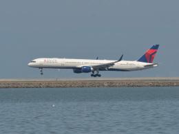 小弦さんが、サンフランシスコ国際空港で撮影したデルタ航空 757-351の航空フォト(飛行機 写真・画像)