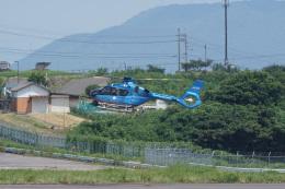 神宮寺ももさんが、高松空港で撮影した熊本県警察 EC135P3の航空フォト(飛行機 写真・画像)