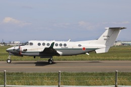 Hii82さんが、札幌飛行場で撮影した陸上自衛隊 LR-2の航空フォト(飛行機 写真・画像)