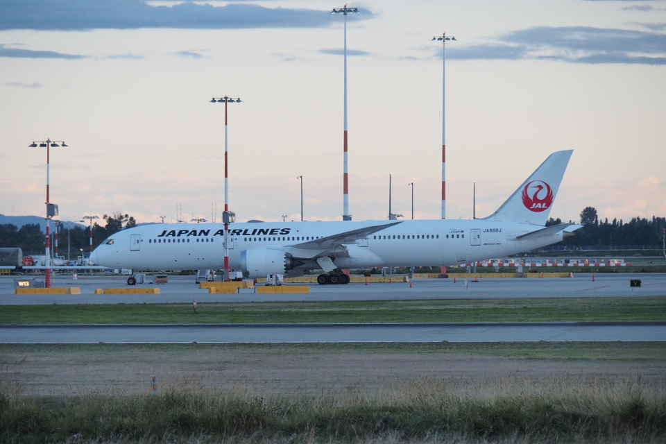 thomasYVRさんの日本航空 Boeing 787-9 (JA868J) 航空フォト