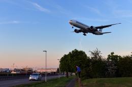 flytaka78さんが、ロンドン・ヒースロー空港で撮影したシンガポール航空 777-312/ERの航空フォト(飛行機 写真・画像)