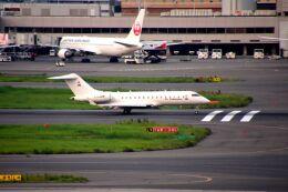 まいけるさんが、羽田空港で撮影したFAI レント・ア・ジェット BD-700 Global Express/5000/6000の航空フォト(飛行機 写真・画像)