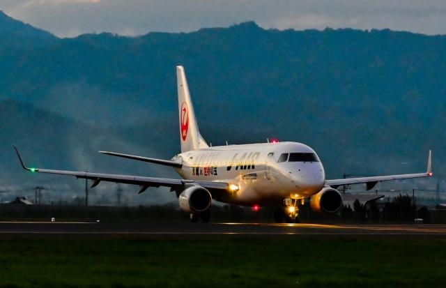 航空フォト:JA228J ジェイエア E170