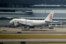 メニSさんが、香港国際空港で撮影した香港ドラゴン航空 747-412(BCF)の航空フォト(飛行機 写真・画像)