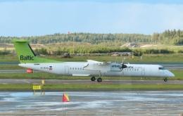 TA27さんが、ヘルシンキ空港で撮影したエア・バルティック DHC-8-402Q Dash 8の航空フォト(飛行機 写真・画像)