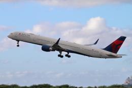 キャスバルさんが、ダニエル・K・イノウエ国際空港で撮影したデルタ航空 757-351の航空フォト(飛行機 写真・画像)