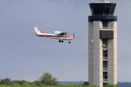 キャスバルさんが、ダニエル・K・イノウエ国際空港で撮影したLANI LEA SKY TOURS 172P Skyhawkの航空フォト(飛行機 写真・画像)