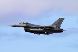 キャスバルさんが、ダニエル・K・イノウエ国際空港で撮影したアメリカ空軍 F-16CM-40-CF Fighting Falconの航空フォト(飛行機 写真・画像)
