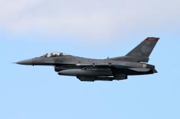 キャスバルさんが、ダニエル・K・イノウエ国際空港で撮影したアメリカ空軍 F-16CM-42-CF Fighting Falconの航空フォト(飛行機 写真・画像)