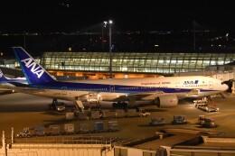 PIRORINGさんが、羽田空港で撮影した全日空 777-281/ERの航空フォト(飛行機 写真・画像)
