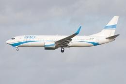 S.Hayashiさんが、ロンドン・ガトウィック空港で撮影したエンターエア 737-8Q8の航空フォト(飛行機 写真・画像)