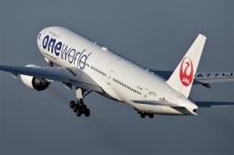 となりのおっちゃんさんが、伊丹空港で撮影した日本航空 777-246の航空フォト(飛行機 写真・画像)