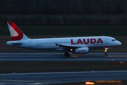 S.Hayashiさんが、ウィーン国際空港で撮影したラウダモーション A320-232の航空フォト(飛行機 写真・画像)