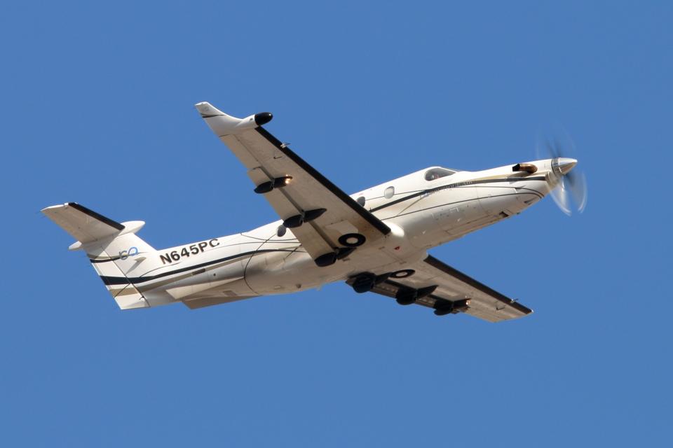 キャスバルさんのブティックエア Pilatus PC-12 (N645PC) 航空フォト
