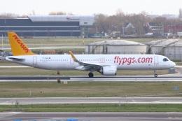 S.Hayashiさんが、アムステルダム・スキポール国際空港で撮影したペガサス・エアラインズ A321-251NXの航空フォト(飛行機 写真・画像)