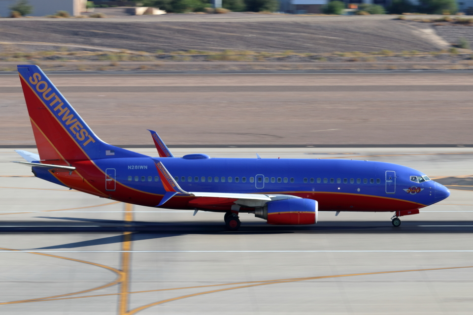キャスバルさんのサウスウェスト航空 Boeing 737-700 (N281WN) 航空フォト