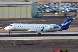 キャスバルさんが、フェニックス・スカイハーバー国際空港で撮影したスカイウエスト CL-600-2B19(CRJ-200LR)の航空フォト(飛行機 写真・画像)
