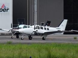 FT51ANさんが、八尾空港で撮影した朝日航空 G58 Baronの航空フォト(飛行機 写真・画像)