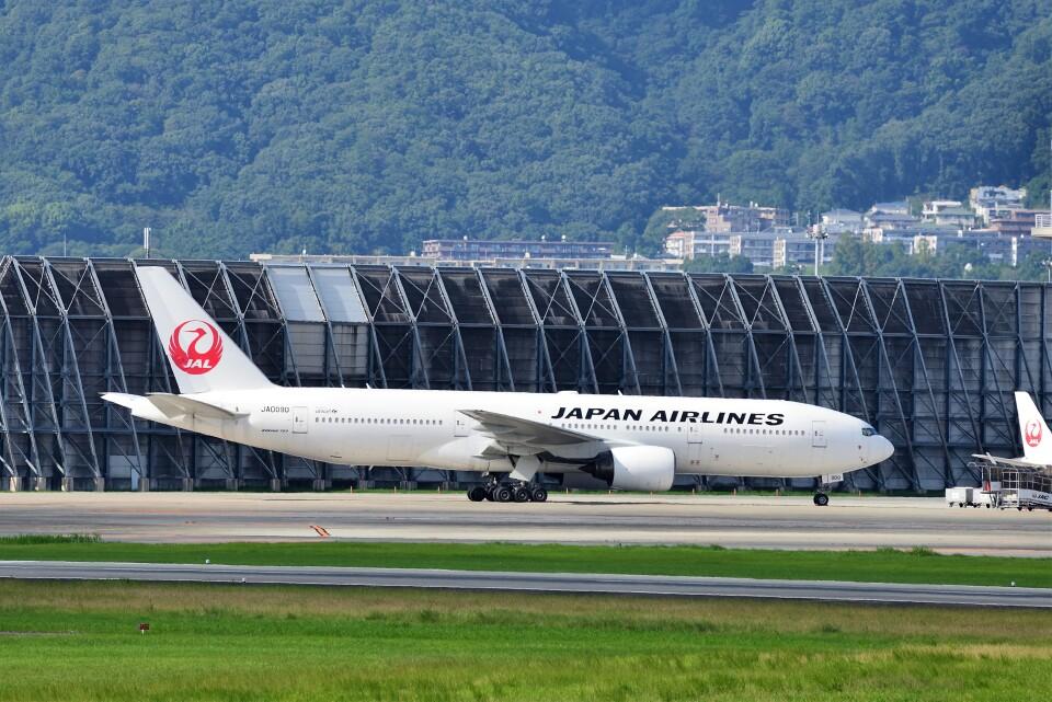 T.Sazenさんの日本航空 Boeing 777-200 (JA009D) 航空フォト