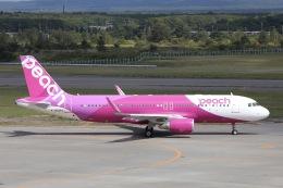 Hii82さんが、新千歳空港で撮影したピーチ A320-214の航空フォト(飛行機 写真・画像)