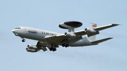 ららぞうさんが、千歳基地で撮影したアメリカ空軍 E-3B Sentry (707-300)の航空フォト(飛行機 写真・画像)
