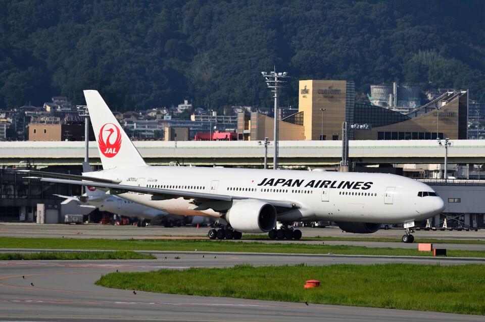T.Sazenさんの日本航空 Boeing 777-200 (JA701J) 航空フォト