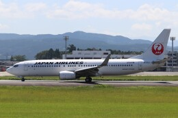 Yuseiさんが、熊本空港で撮影した日本航空 737-846の航空フォト(飛行機 写真・画像)