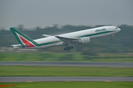 Souma2005さんが、成田国際空港で撮影したアリタリア航空 777-243/ERの航空フォト(飛行機 写真・画像)