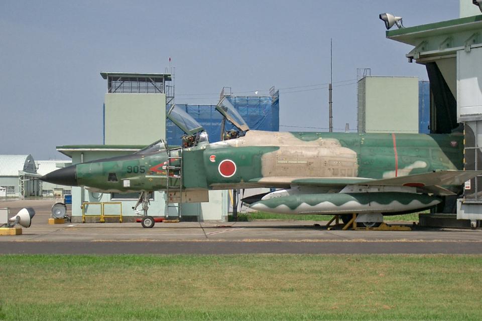 スカルショットさんの航空自衛隊 McDonnell Douglas RF-4E Phantom II (47-6905) 航空フォト