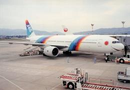 thomasYVRさんが、伊丹空港で撮影した日本エアシステム 777-289の航空フォト(飛行機 写真・画像)
