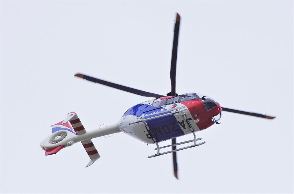 mild lifeさんの毎日新聞社 Eurocopter EC135/635 (JA20MP) 航空フォト
