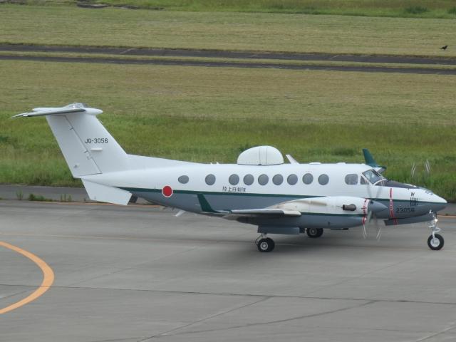 宮城の航空ファンさんが、仙台空港で撮影した陸上自衛隊 LR-2の航空フォト(飛行機 写真・画像)