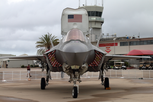 ミラマー海兵隊航空ステーション  - Marine Corps Air Station Miramar [NKX/KNKX]で撮影されたミラマー海兵隊航空ステーション  - Marine Corps Air Station Miramar [NKX/KNKX]の航空機写真(フォト・画像)