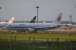 LEGACY-747さんが、成田国際空港で撮影した中国国際航空 A320-232の航空フォト(飛行機 写真・画像)