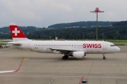 TA27さんが、チューリッヒ空港で撮影したスイスインターナショナルエアラインズ A320-214の航空フォト(飛行機 写真・画像)
