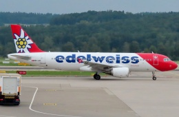 TA27さんが、チューリッヒ空港で撮影したエーデルワイス航空 A320-214の航空フォト(飛行機 写真・画像)