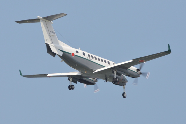 Deepさんが、那覇空港で撮影した陸上自衛隊 LR-2の航空フォト(飛行機 写真・画像)