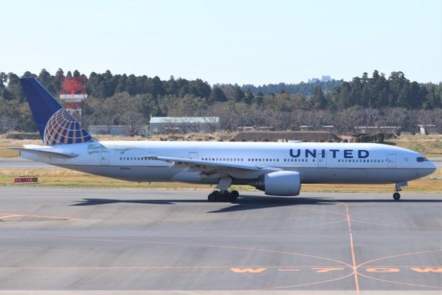 walker2000さんが、成田国際空港で撮影したユナイテッド航空 777-222の航空フォト(飛行機 写真・画像)