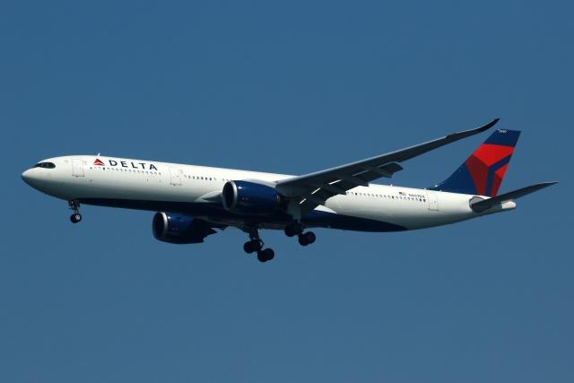 採れたてほしいもさんが、羽田空港で撮影したデルタ航空 A330-941の航空フォト(飛行機 写真・画像)