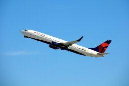 まいけるさんが、ロサンゼルス国際空港で撮影したデルタ航空 737-932/ERの航空フォト(飛行機 写真・画像)