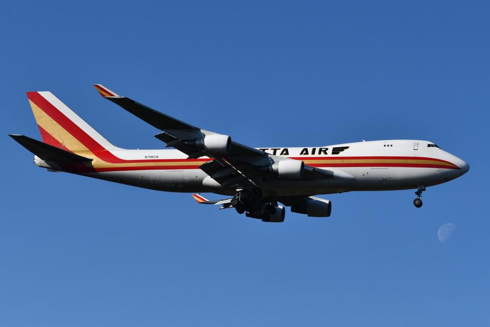 Deepさんのカリッタ エア Boeing 747-400 (N706CK) 航空フォト