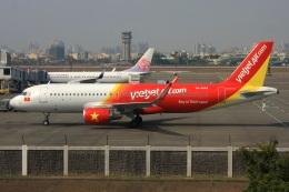 S.Hayashiさんが、高雄国際空港で撮影したベトジェットエア A320-214の航空フォト(飛行機 写真・画像)
